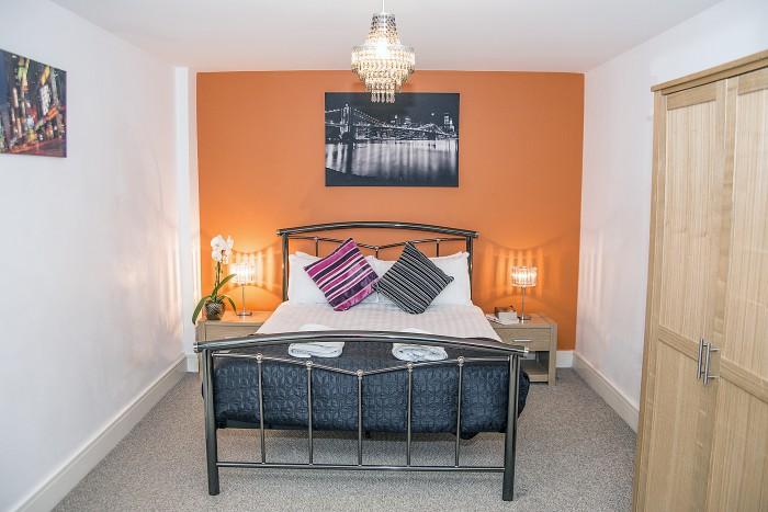 Cumberland St - Bedroom