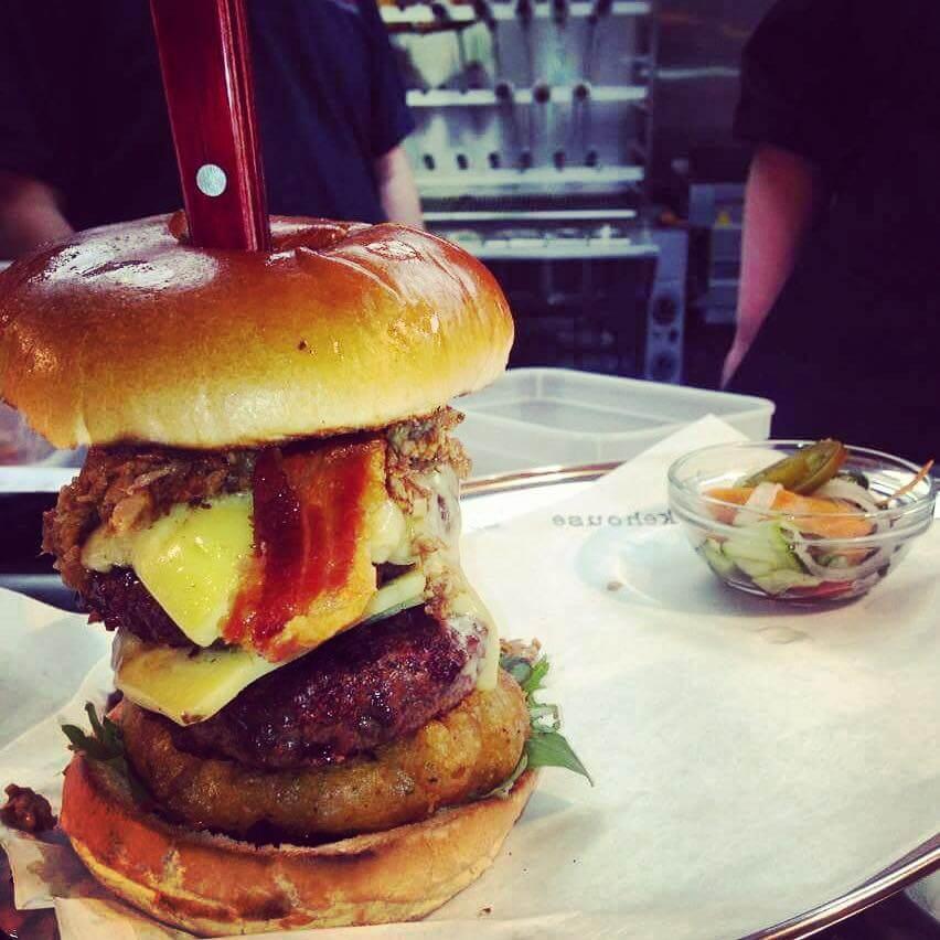 buttons street smokehouse burger