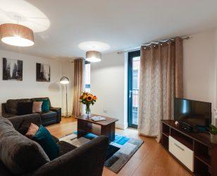 cheap apartment liverpool city centre living room