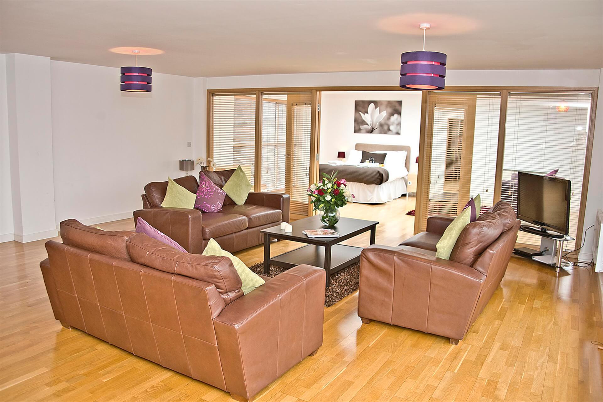 Living Room 2 (Custom)